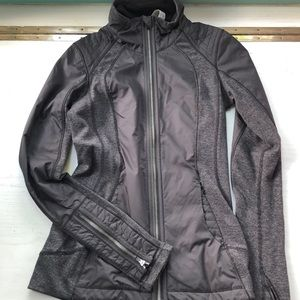 Black and gray lululemon full zip jacket